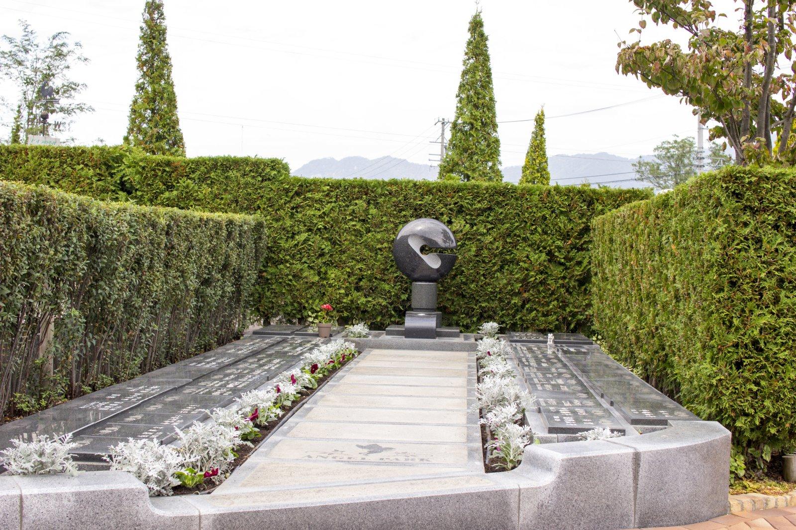 永代供養墓。供養塔が設置されている