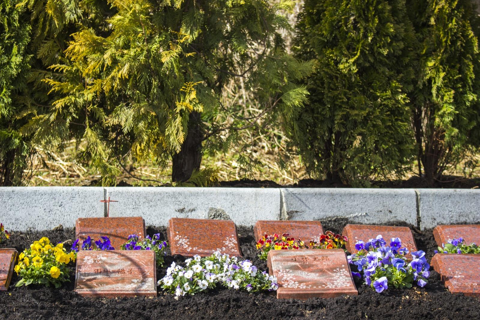 永代樹木墓のメモリアルプレート