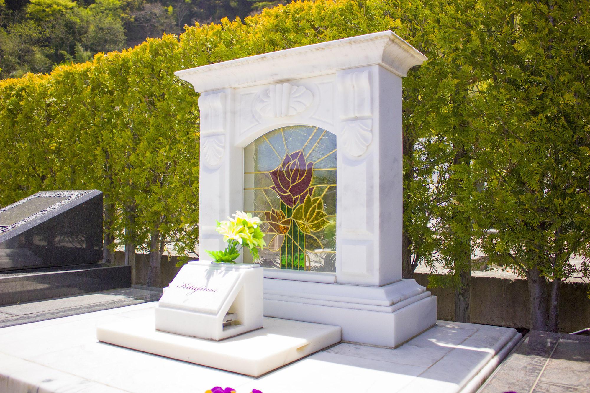大理石の墓石