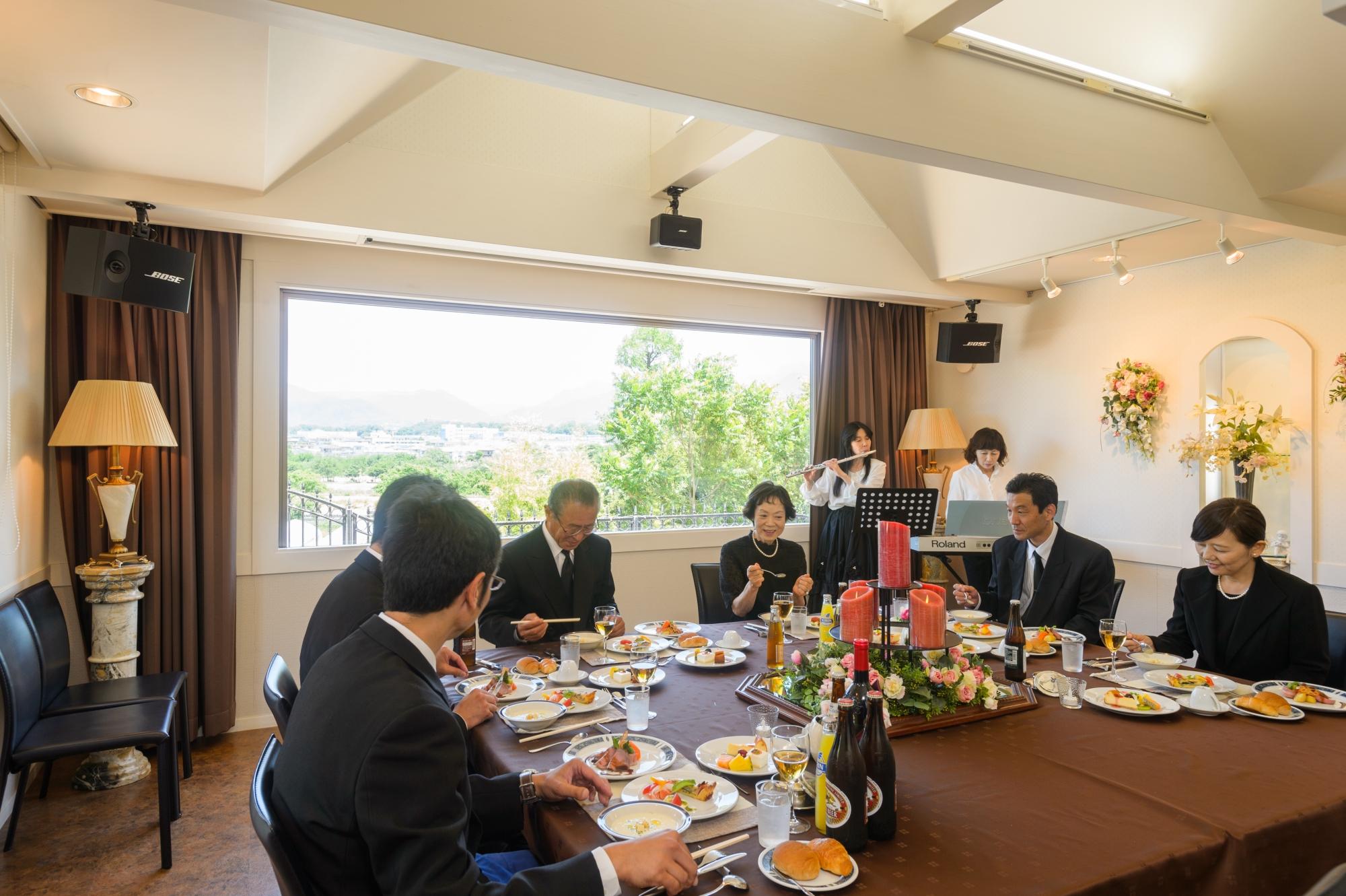 上田市の法要・会食の様子